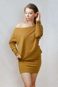 denevérujjas ruha - mustár
